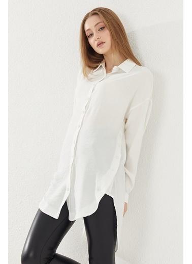 Reyon REYON Kadın Yanları Düğmeli Oversize Gömlek Beyaz Beyaz